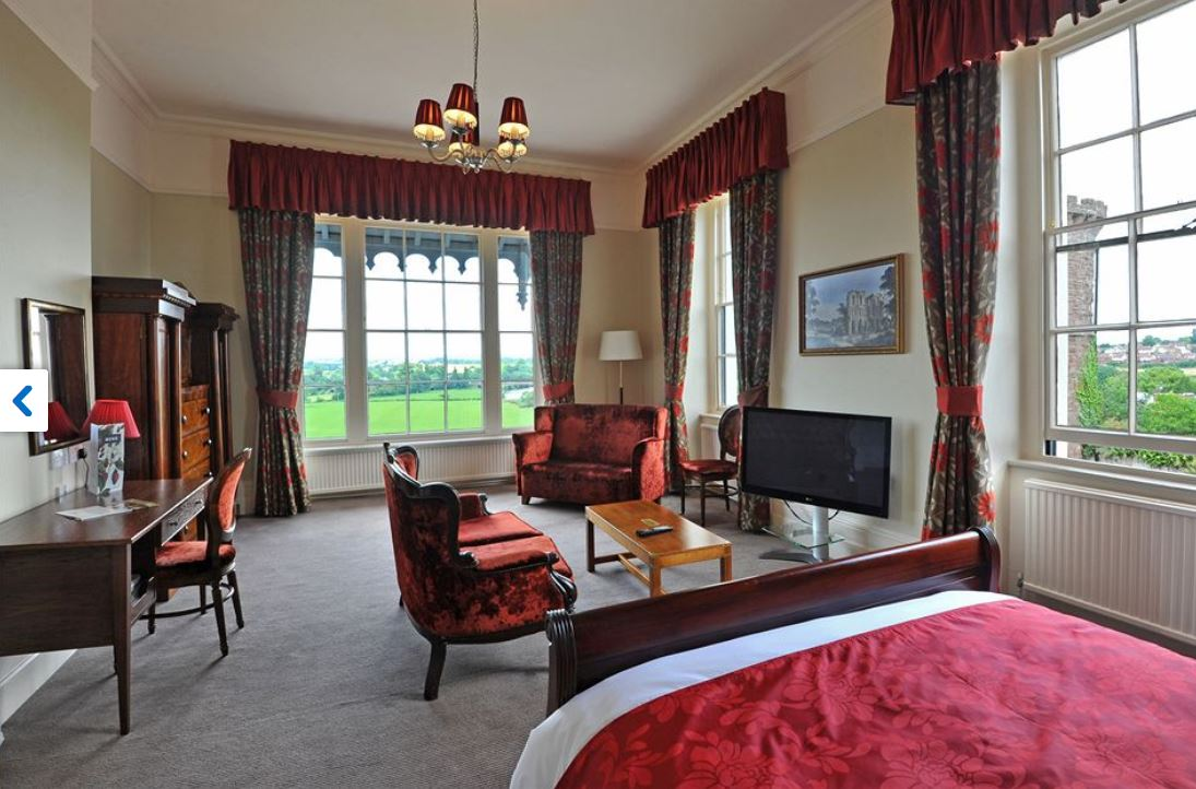 Superior room at hotel in Ross on Wye