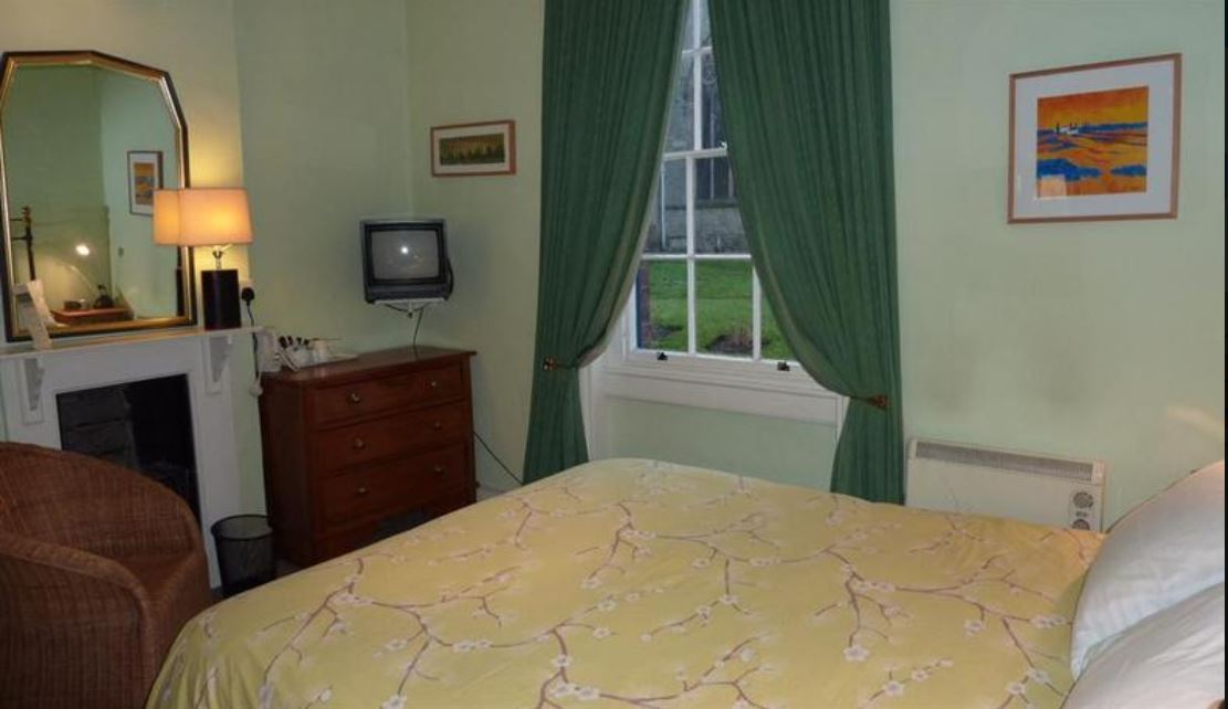 Double room at guest house Ross on Wye