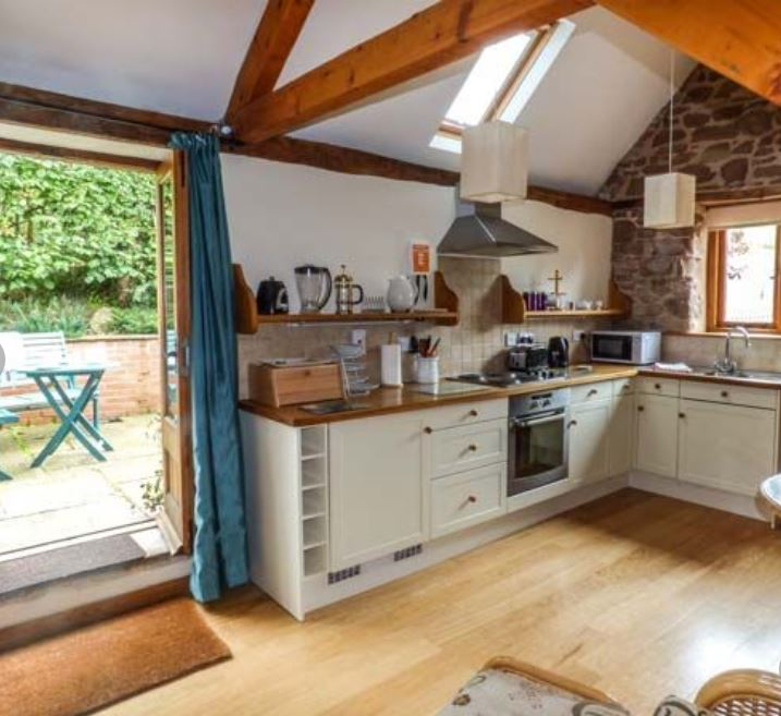 Kitchen are at holiday home Ross on Wye