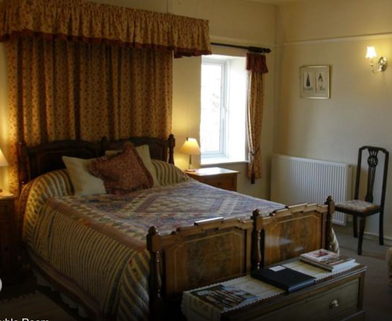 Four poster room at bed and breakfast near Ross on Wye