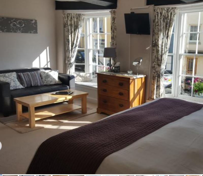 Spacious room at Ross on Wye guest house